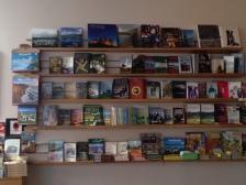 Ionad Books